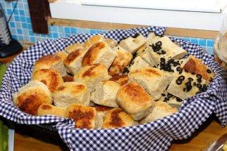 Hjemmebakt brød til maten